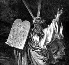 Mozes ontvangt de stenen tafelen van god. Bijbelillustratie van Gustave Doré.